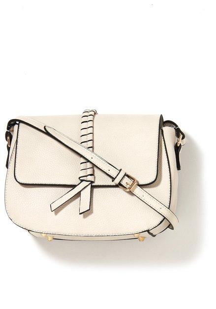 Beige neplederen handtas met gevlochten detail