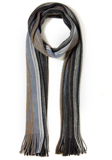 Beige sjaal met fijne strepen
