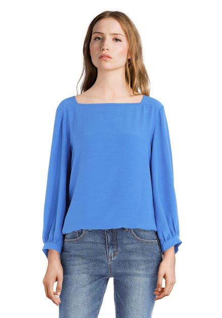 Blauwe blouse met vierkante hals