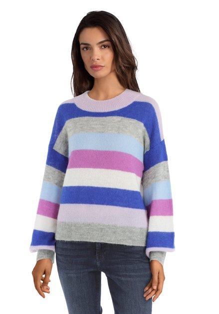 Blauwe pull met paarse strepen