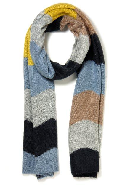 Blauwe sjaal met okerkleurige details