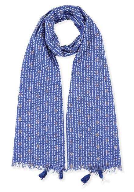 Blauwe sjaal met witte stipjes