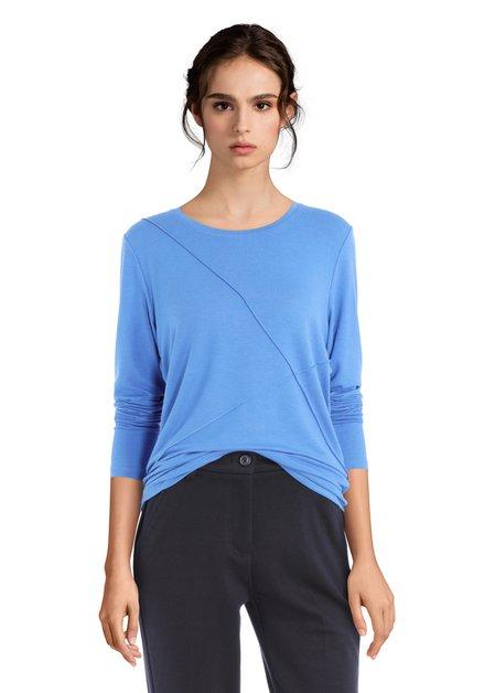 Blauwe T-shirt met lijnen