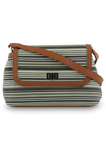 Bruine handtas met schouderlint