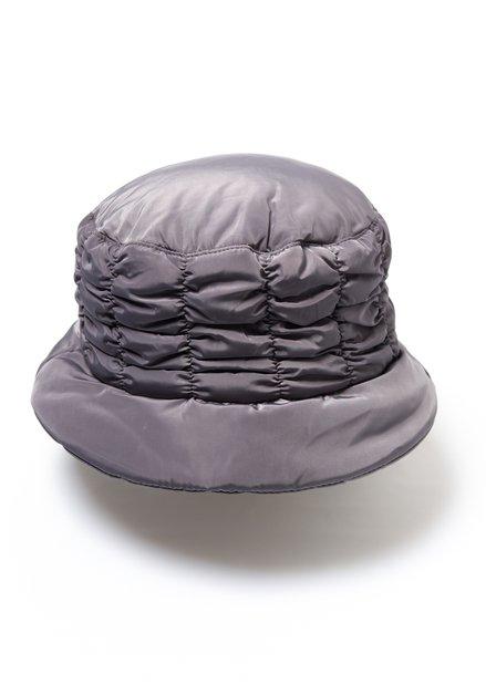 Chapeau gris imperméable