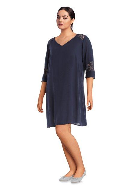 Donkerblauw kleed in geweven stof met kant