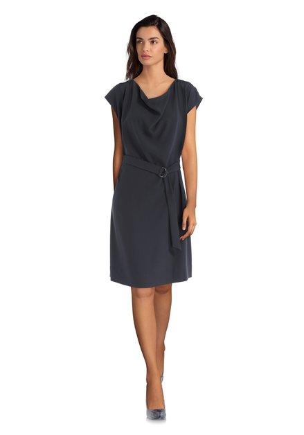 Donkerblauw kleed met riem