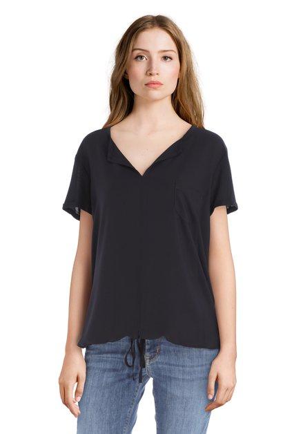 Donkerblauw T-shirt met borstzakje