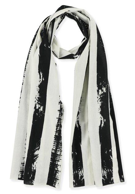 Echarpe à rayures noires et blanches