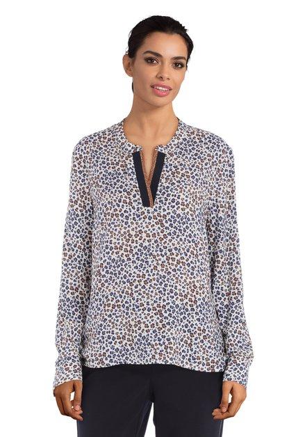 Ecru blouse met blauwe-bruine print