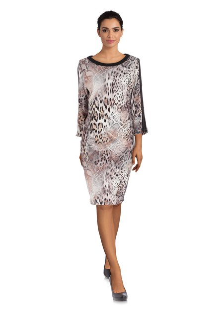 Ecru kleed met lichtbruine panterprint