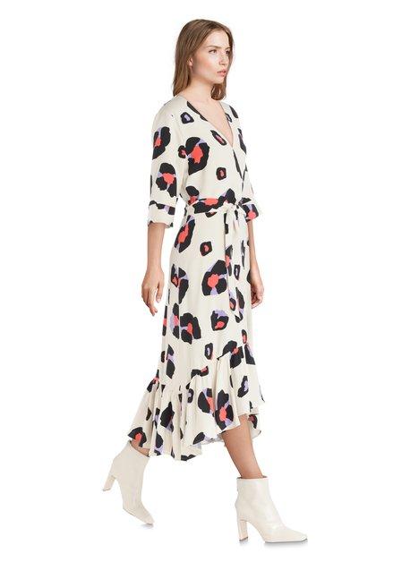 Ecru kleed met panterprint