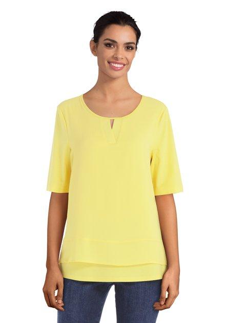Geel T-shirt met kleine uitsnijding