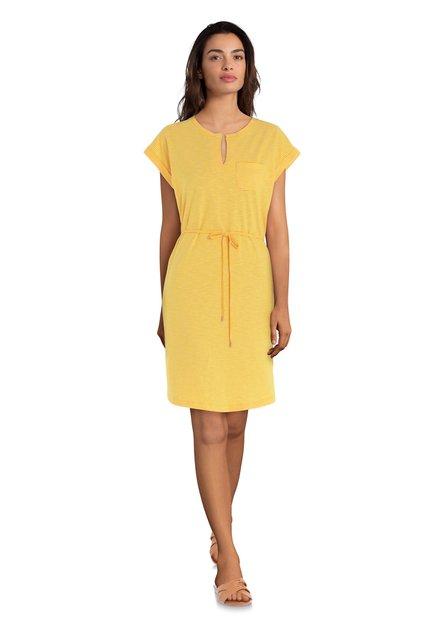 Gele jurk met witte streepjes