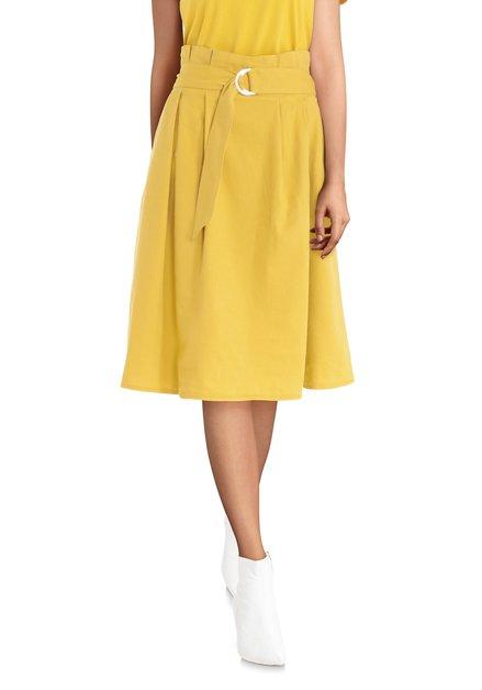 Jupe jaune à plis avec ceinture en tissu