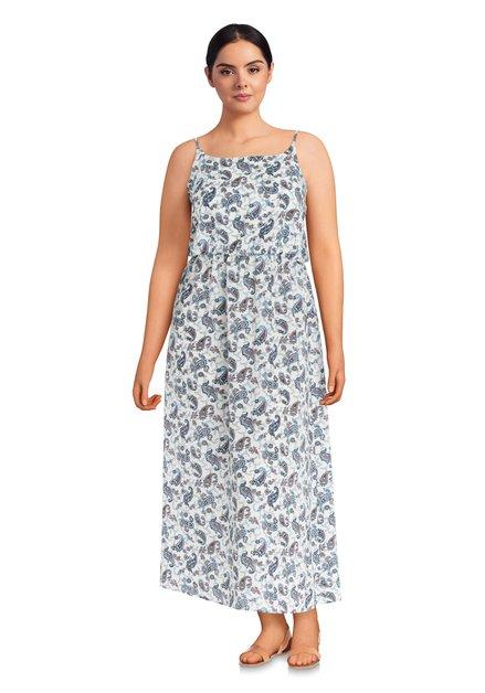 Lang wit kleed met blauw paisleymotief