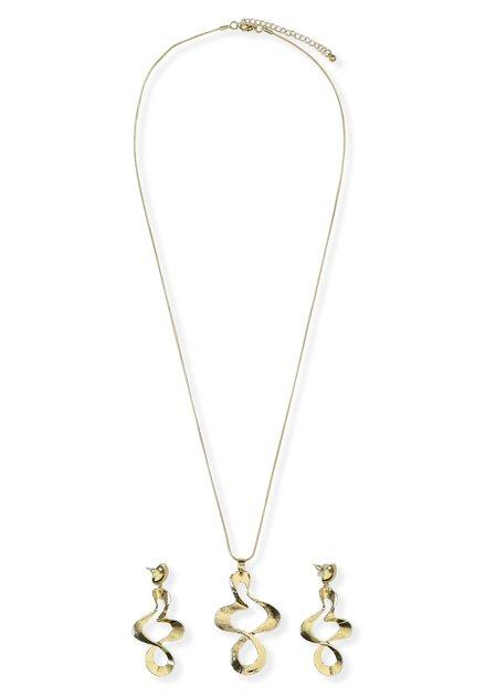 Lange goudkleurige ketting en oorbellen