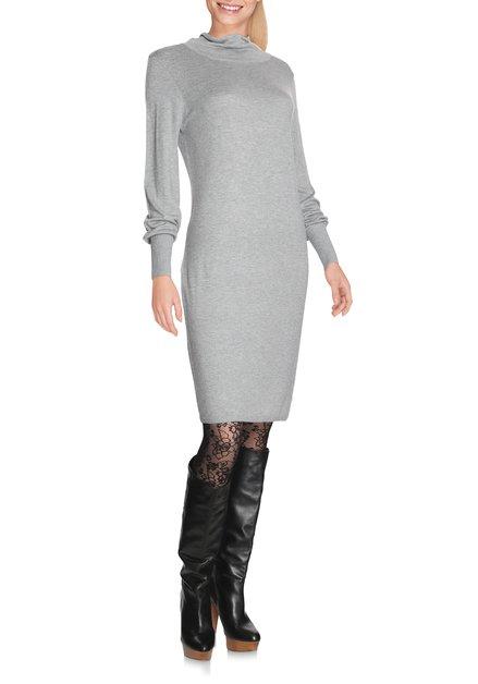 Lichtgrijs kleed in fijn tricot