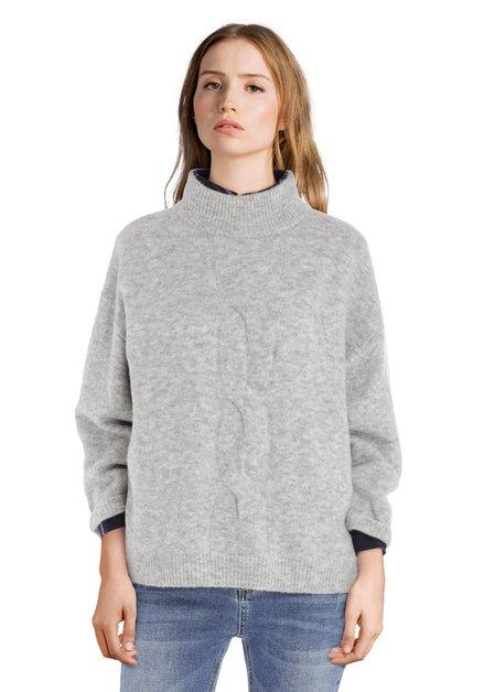 Lichtgrijze trui met opstaande kraag
