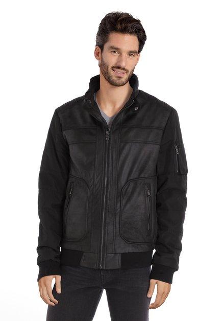 Manteau noir avec devant en faux cuir