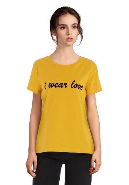 Okerkleurig  T-shirt met fluwelen letterprint
