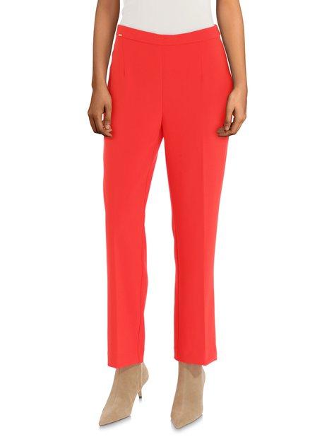 Pantalon rouge habillé avec plis