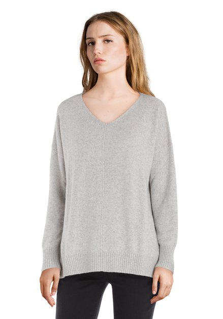 Pull en laine gris clair avec encolure en V