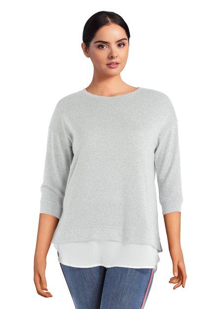 Pull gris avec fausse blouse blanche