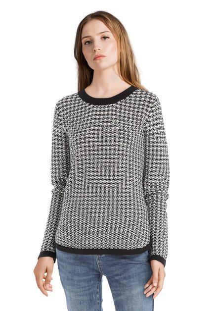 Pull noir et blanc en tricot