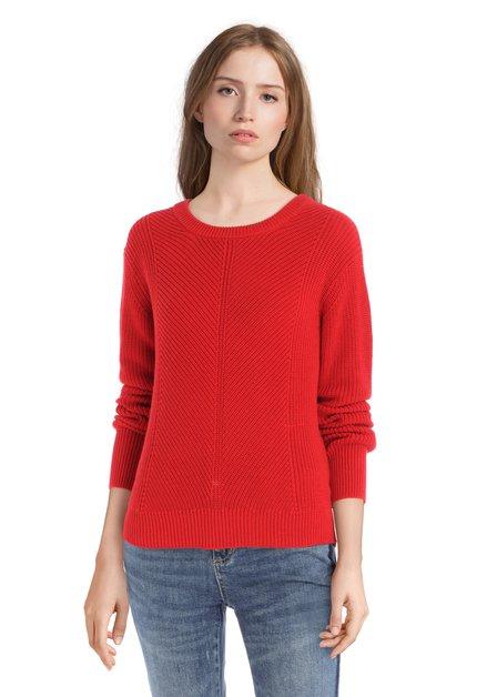 Pull rouge en tricot
