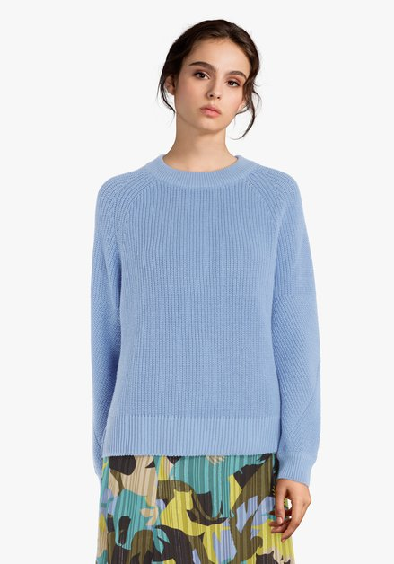 Pull tricoté bleu clair