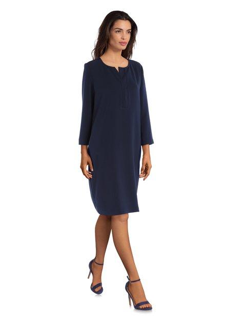 Robe bleu marine avec col en V
