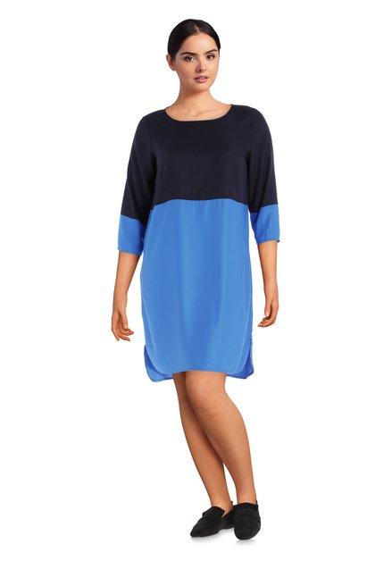 Robe bleue avec couleur contrastante