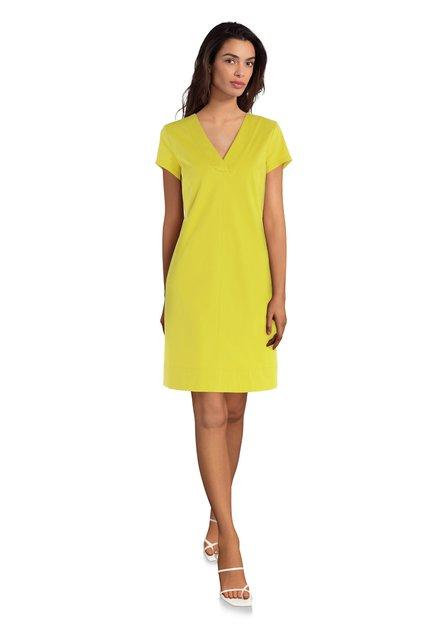 Robe jaune avec encolure en V
