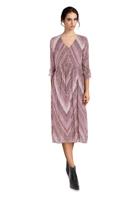 Robe rose clair avec imprimé serpent et col en V