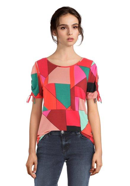 Rode T-shirt met asymmetrisch motief