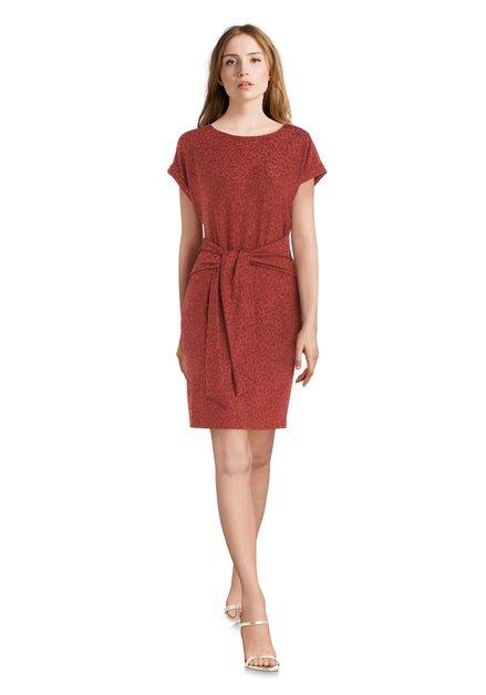 Roestkleurig kleed met panterprint