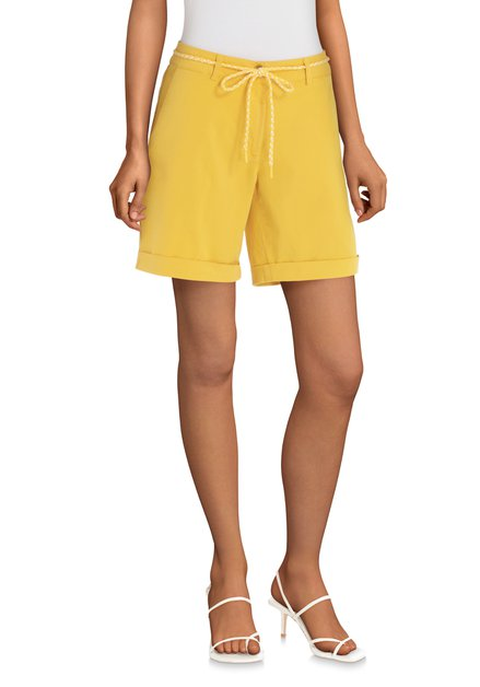 Short jaune en coton stretch