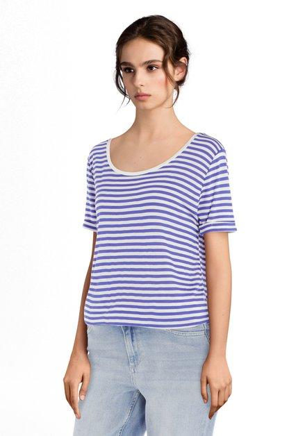 T-shirt blanc à rayures bleues