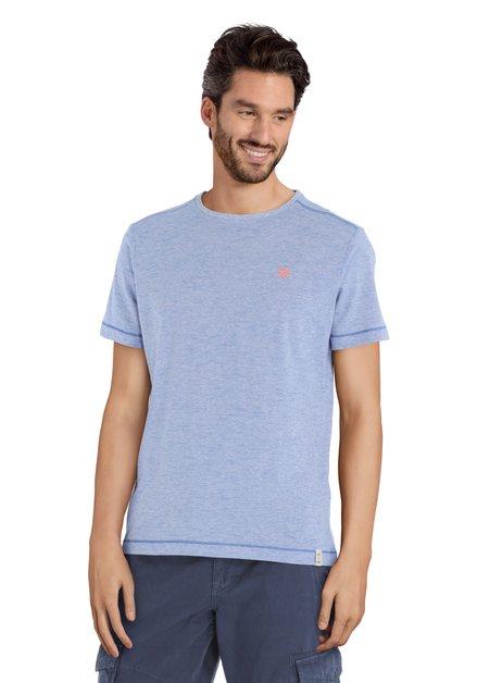 T-shirt bleu à rayures fines blanches