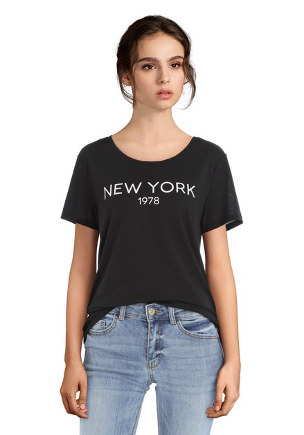 T-shirt noir avec inscription blanc «NEW YORK»