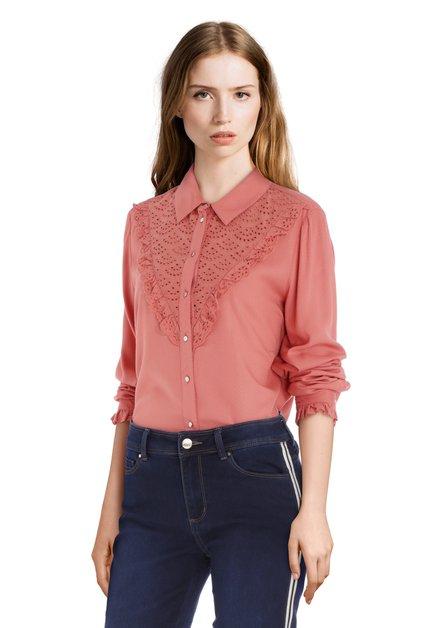 Zalmroze blouse met frivole kant