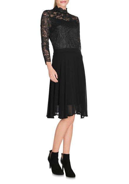 Zwart kleed met bovenstuk in kant