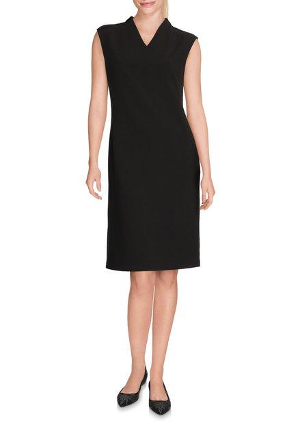 Zwart licht getailleerd kleed met v-hals
