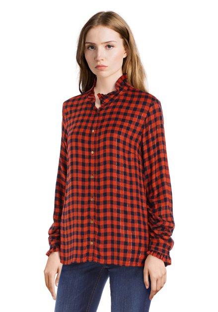 Zwart-rood geruite blouse met gouden knopen