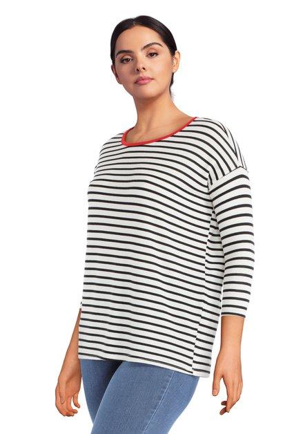 Zwart-wit gestreept T-shirt met rode ronde hals