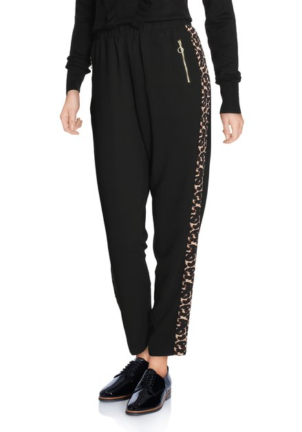 Zwarte broek met biesje in panterprint