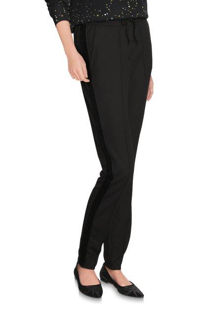 Zwarte broek met fluwelen biesje - slim fit