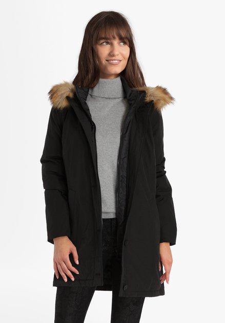 Zwarte jas met kap en afneembaar bontje