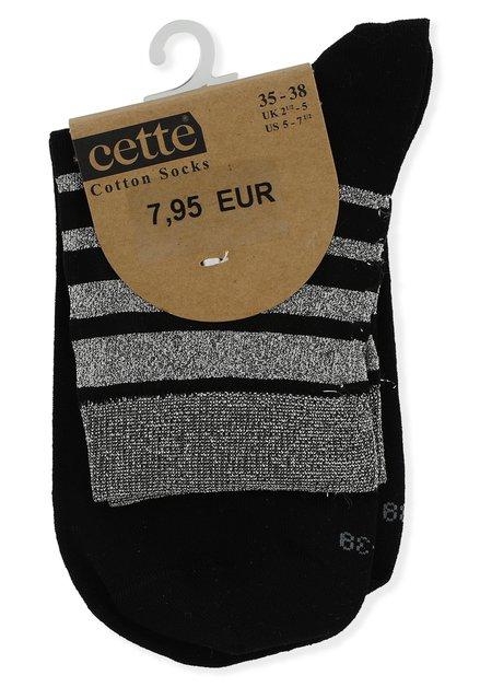 Zwarte sokken met zilverkleurige streepjes